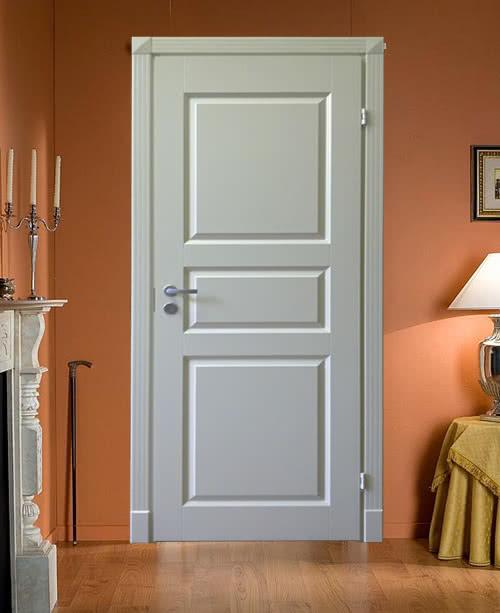 фото: деревянные двери дешевые