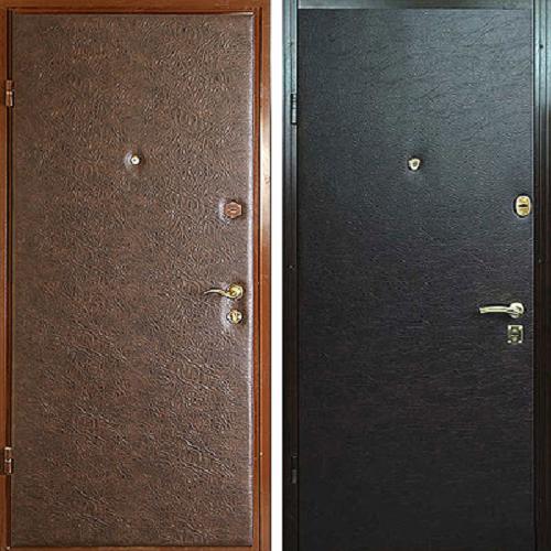фото: металлическая дверь покрытая кожей
