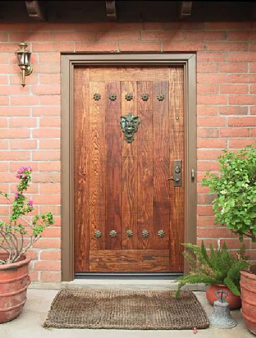 фото: дверь из дуба