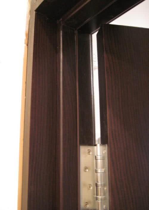 фото:монтаж дверных петлей