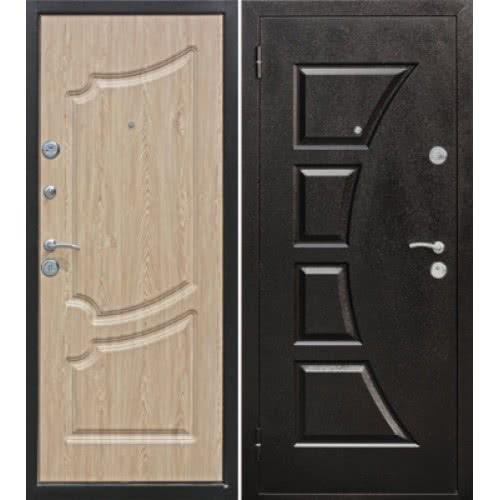 фото: Входные двери могут быть деревянными, металлическими
