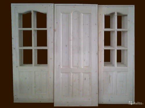 фото: Чем покрыть деревянную дверь