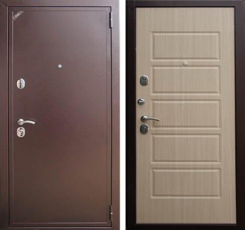 фото: Металлическая дверь, обшитая с внутренней стороны панелями МДФ