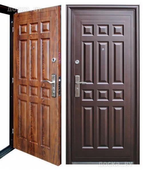 фото: металлическая дверь с панелями ПВХ