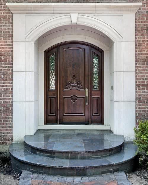 фото: входные парадные двери