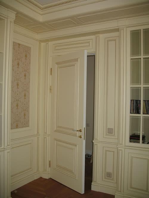 фото: крашенная межкомнатная дверь