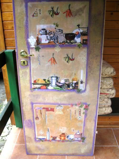 фото: ручная роспись двери