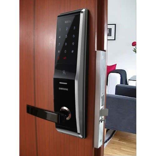 фото: Электронный замок для входной двери
