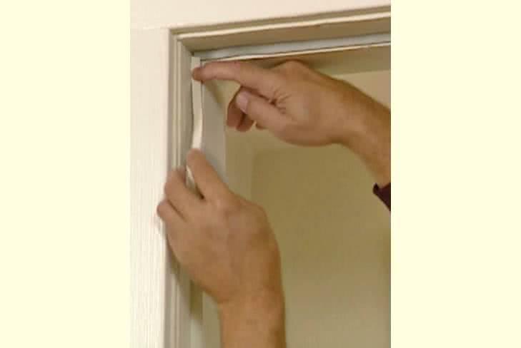 фото: Замена уплотнителя входной двери