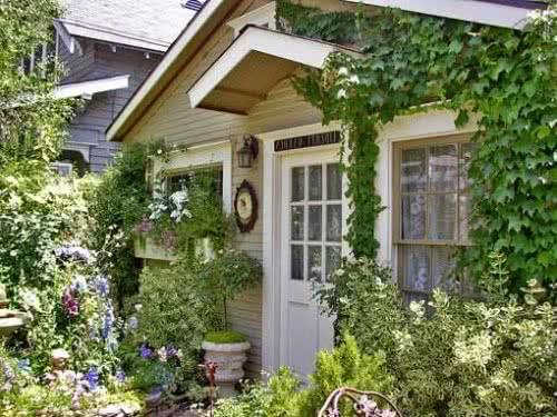 фото: Деревянная дверь для дачи
