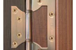 фото: Установка петель на межкомнатную дверь