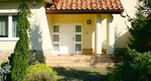 фото: Входные двери для дачи