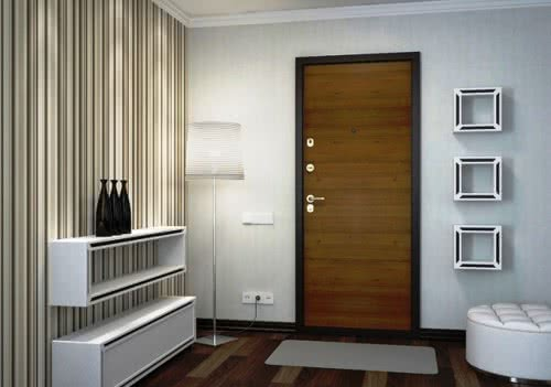 фото: Внутренняя отделка входной двери