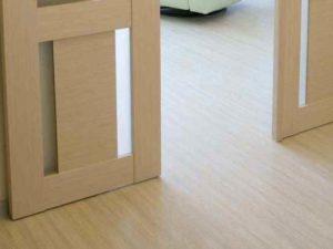 Как сочетать плинтус и раздвижную дверь (или купе)